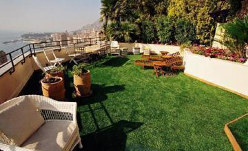 terraza revestida con ROYAL GRASS