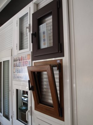 Aluminios y Construcciones Goya Dorado le ofrece ahora la posibilidad de renovar sus carpinterías (ventanas, puertas y cerramientos) para hacer de su vivienda o de su espacio comercial un lugar más confortable y eficiente energéticamente.<div><br /></div